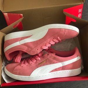 NwB Puma Vikky Salmon Sneakers Size 10